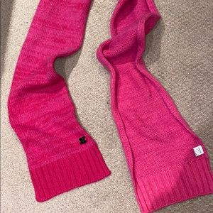 Lululemon wool/cashmere magenta winter scarf 🧣